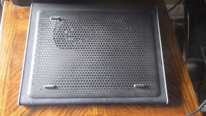 "HP Pavilion g6-2244ca 15.6"" plus cooling station"