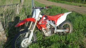 2010 Honda CRFR 250 four stroke fuel injected dirtbike