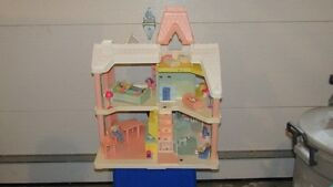 Playschool Delux Doll House