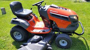 Husqvarna YTH26V54 Garden Tractor