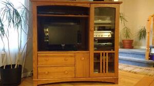 Shaker-style oak entertainment unit