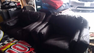 2 leather chairs for sale Kingston Kingston Area image 1