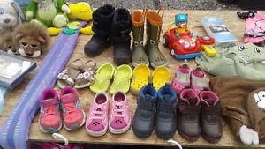 Souliers, bottes, bottillons, Crocs