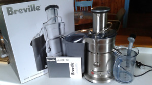 Juicer-Breville Juice Fountain Elite like new!