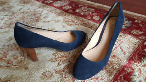 Geox Navy Suede Pumps (size 38)