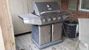 Natural Gas/propane BBQ with side burner
