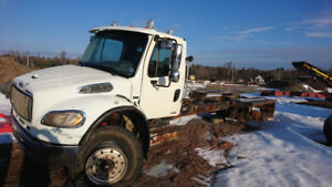 07 Freightliner For Parts