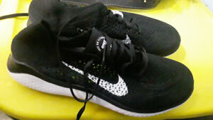 Size 9 Nike mens shoes