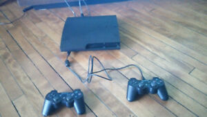 PS3, 2 manettes/controllers , 5 jeux/games