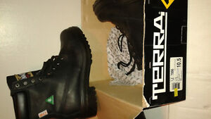 Brand New Terra Construction Boots