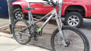 Giant Reign X1 Down Hill/Cross-country Bike