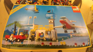 Lego Town airport 6396 from 1990