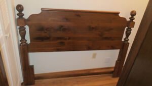 Wooden 3-piece bed frame