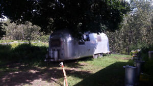 Vintage Airstream Land Yacht 24 foot