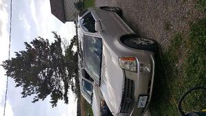 2004 Cadillac SRX Silver Hatchback
