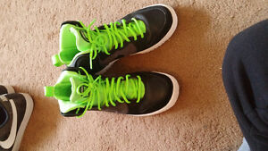 Nike dunk frees so comfy size 8