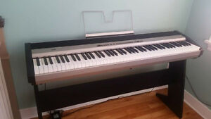 KORG Keyboard and stand
