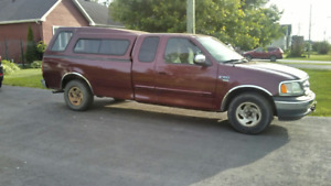 Pick up Ford F 150. V8. boite 8'  1999  Milage 168,000 Kilometre