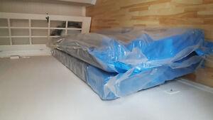 Kingsize brand new boxspring!!