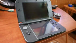 New Nintendo 3DS XL with 2 games and charger