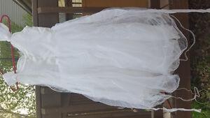 Child's sz 8 flower girl/ 1st communion dress