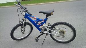 """Kid bike 16"""" / Vélo enfant 16 Pouces"""