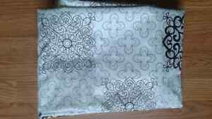 Twin duvet cover and matching pillow case/ new never used