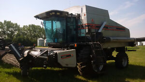 R62 Gleaner Combine and MacDon 974 Flex Header