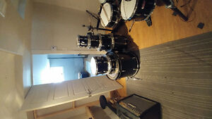 Tama swingstar with stands and cymbals