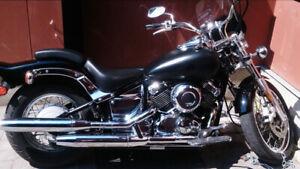 Yamaha V-star 1999    2600$