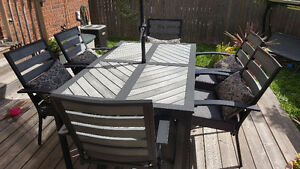 6 chair patio set with table, pillows, umbrella and base
