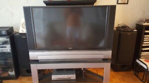 HITACHI LCD TV/MONITOR WITH TABLE $250
