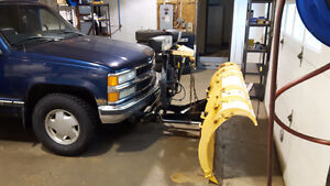 1998 CHEVROLET SILVERADO Z71 WITH 7 1/2 FISHER PLOW