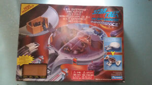 Star Trek TNG U.S.S. Enterprise Mini Playset NCC-1701-D