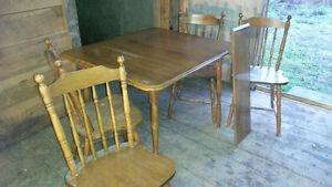 Hardwood Table w/4 Chairs