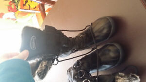 Women's size 8 winter boots