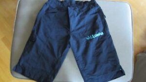 Shorts de vélo de montagne pour femmes (3) - Loeka et Dakine