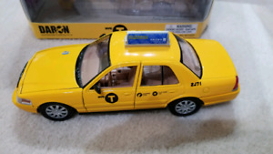 Ford Crown Victoria taxi new York city die cast model car