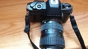pentax camera -with case/flash
