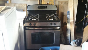 GE gas stove for sale. Excellent condition