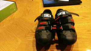 Road cycling shoes size 11