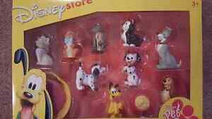DISNEY  STORE DOG PVC SET AND FINDING NEMO BRAND NEW