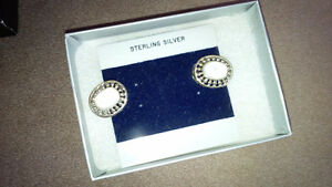New White Stone Earings - for sale ! Kitchener / Waterloo Kitchener Area image 4