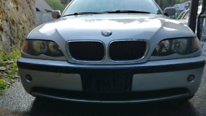 BMW 320i Excellent condition low km