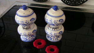 "Meissen Salt & Pepper, 5 1/2"" Tall Kitchener / Waterloo Kitchener Area image 1"