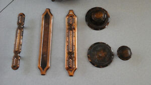 Cupboard handles and knobs