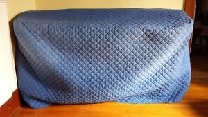 Yamaha Clavinova Electric Piano plus bench and quilted cover Kingston Kingston Area image 4