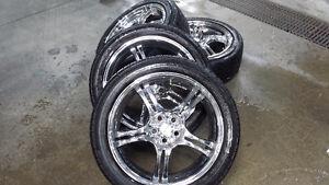 mags 5x100 avec pneu 225 45 17 il y a 3 pneus de bon