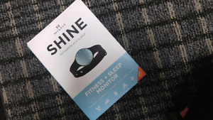 Fisfit Shine (very somilar to FitBit)