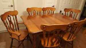 Solid wood 7 piece dining set London Ontario image 1
